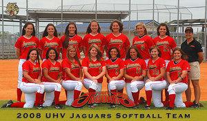 Uhv_womens_softball_team_2